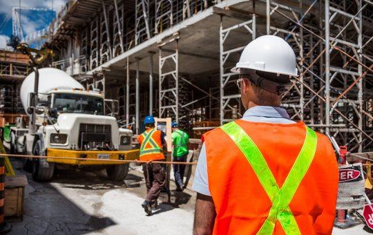 Popularny materiał konstrukcyjny, czyli beton