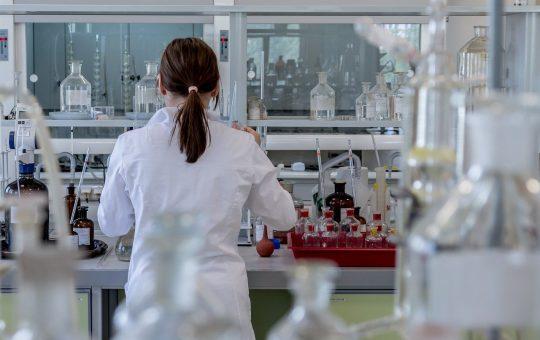 Jakie artykuły chemiczne oferuje hurtownia?